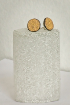 Studs: R 350.00 (approx. EURO 24.00)