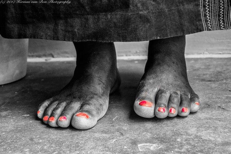 feet-visible-invisibleWEB